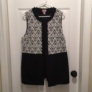 New Chico's black and white pant suit long vest.
